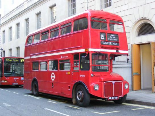 Régi buszok Londonban - Routemaster