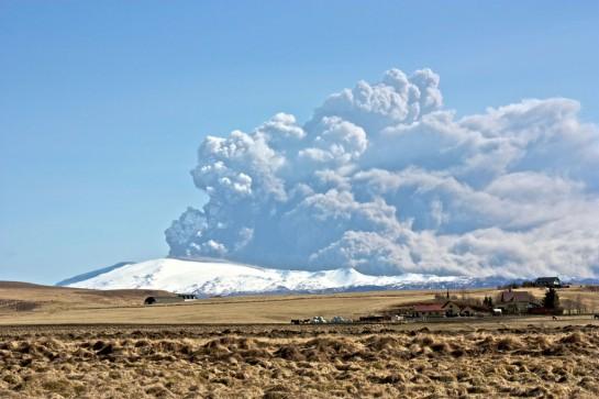 Izlandi Eyjafjallajökull vulkánjának a kitörése
